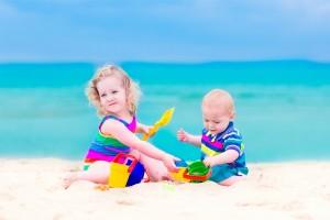 insolatie copii plaja