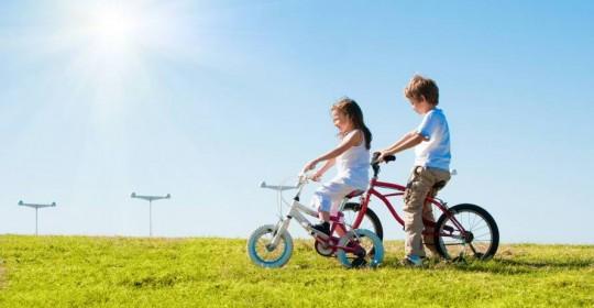 12 motive pentru care copilul trebuie să se bucure de soare