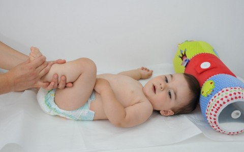 Exerciții de recuperare pentru bebeluși
