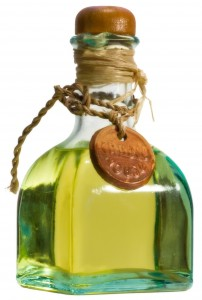 olive-oil-bottle-1321685-1279x1898